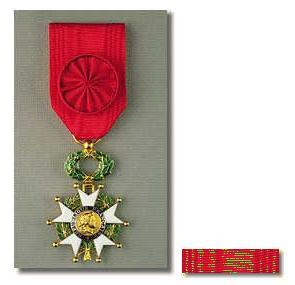 Algunas condecoraciones de Baden Powell Imagen021